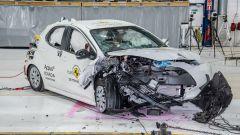 Toyota Yaris 2020 dopo il test di impatto frontale asimmetrico