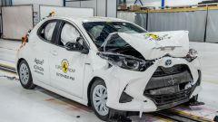 Toyota Yaris 2020, i danni dell'impatto frontale simmetrico