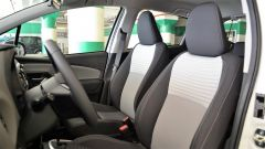Toyota Yaris Hybrid 2017: i sedili anteriori