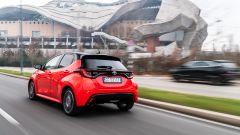 Toyota Yaris Hybrid 2020, un momento del test drive