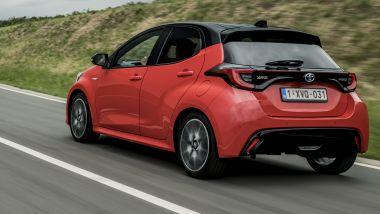 Toyota Yaris Hybrid, Piccoli Geni avanzano
