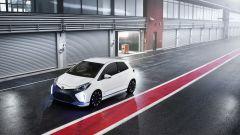 Toyota Yaris Hybrid R - Immagine: 7