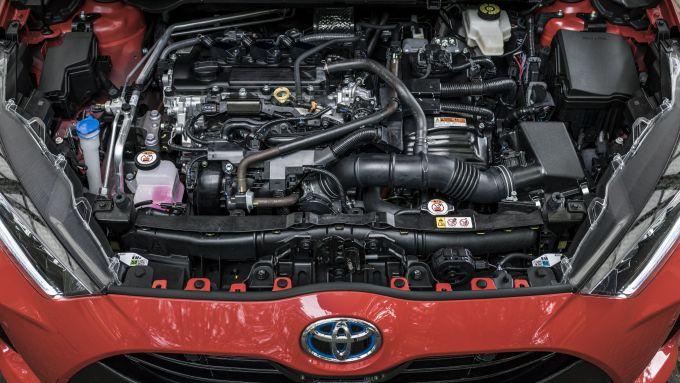 Toyota Yaris Hybrid, sotto il cofano un benzina 3 cilindri da 1,5 litri