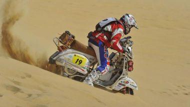 Tra le dune con una Vespa Piaggio