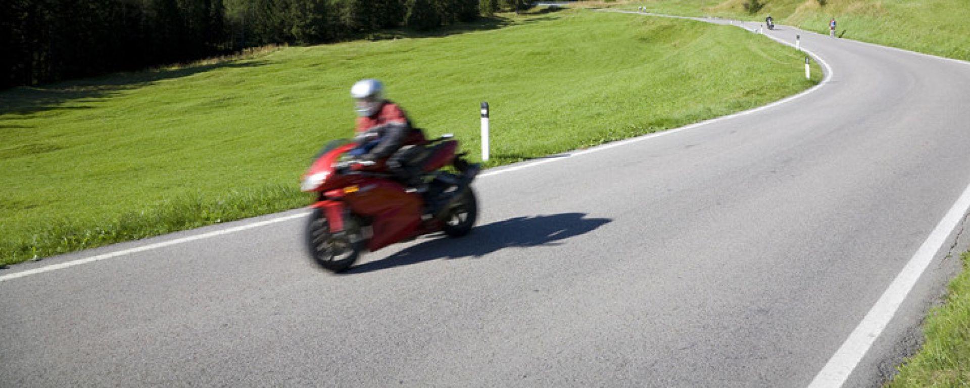 Trentino, per le moto limite di velocità a 60 km/h. Ecco dove