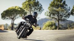 Triumph Bobber Black 2018: la prova su strada in video - Immagine: 20