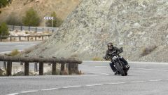 Triumph Bobber Black 2018: la prova su strada in video - Immagine: 5