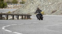 Triumph Bobber Black 2018: la prova su strada in video - Immagine: 3