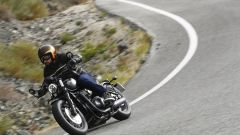 Triumph Bobber Black 2018: la prova su strada in video - Immagine: 8
