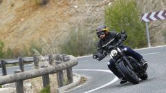 Triumph Bobber Black 2018: la prova su strada in video - Immagine: 12