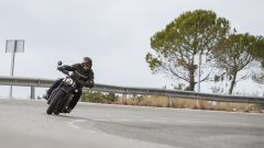 Triumph Bobber Black 2018: la prova su strada in video - Immagine: 13