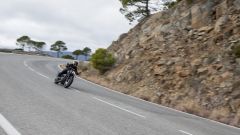 Triumph Bobber Black 2018: la prova su strada in video - Immagine: 14
