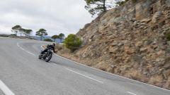 Triumph Bobber Black 2018: la prova su strada in video - Immagine: 14