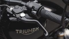 Triumph Bobber Black: dettaglio del manubrio