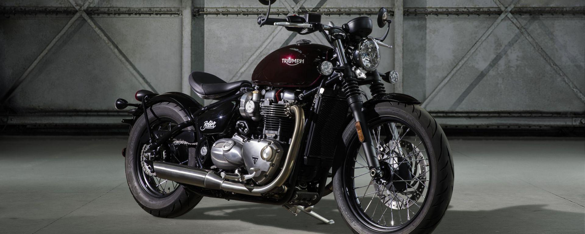 Triumph Bonneville Bobber nera