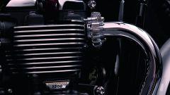 Triumph Bonneville T120 e T120 Black - Immagine: 101