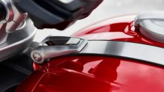 Triumph Rocket 3 GT e R 2019: la cinghia in alluminio
