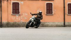 Triumph Rocket III GT: la prova video della power cruiser inglese - Immagine: 4