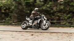 Triumph Rocket III GT: la prova video della power cruiser inglese - Immagine: 7