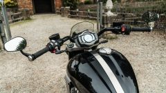 Triumph Rocket III GT: la prova video della power cruiser inglese - Immagine: 50