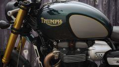 Triumph Scrambler 1200 2021: dettaglio della grafica dedicata