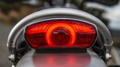 Triumph Scrambler 1200: faro posteriore