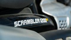 Triumph Scrambler 1.200 XE scritta