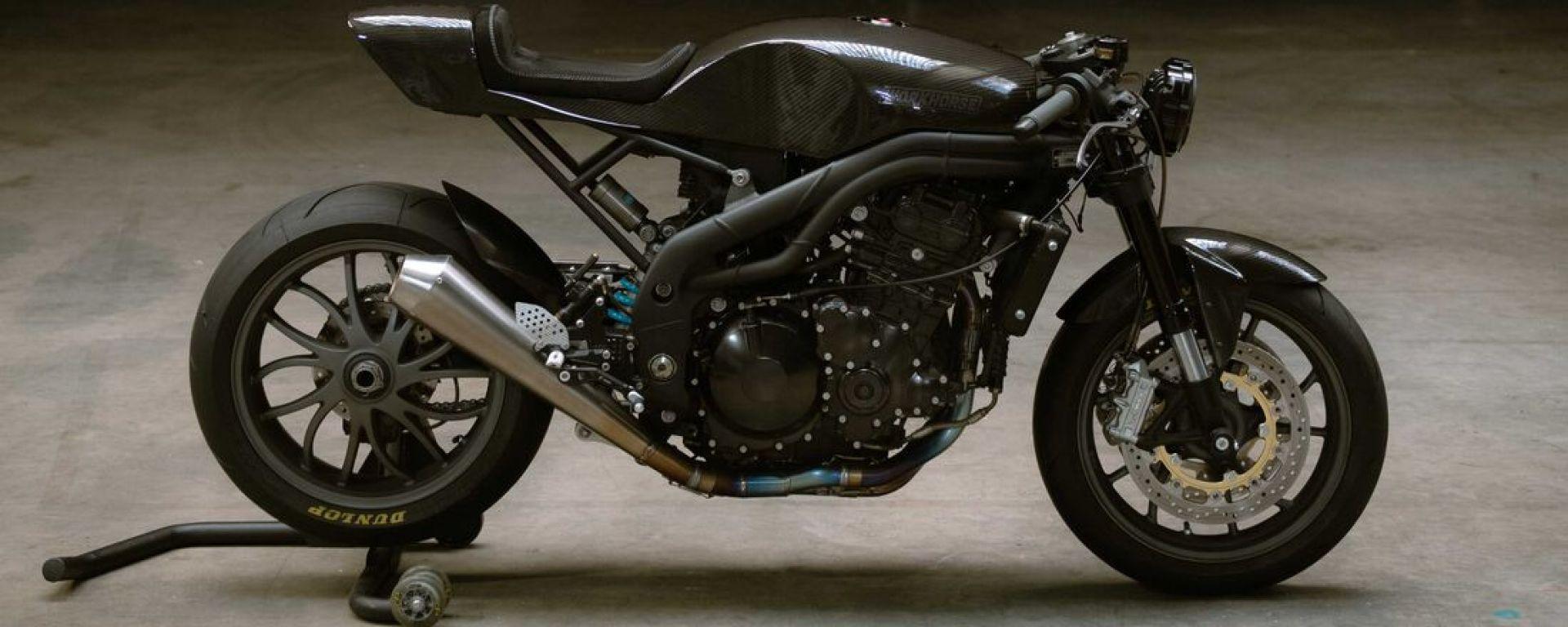 La Triumph Speed Triple diventa una café racer in carbonio