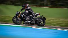 Triumph Speed Triple 1200 RS 2021 la prova in pista