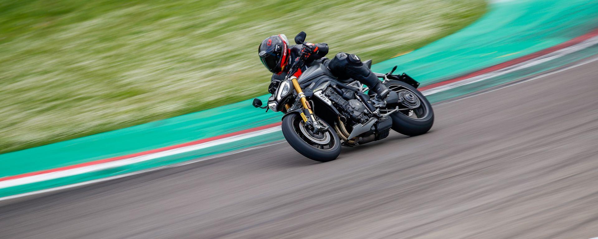 Triumph Speed Triple 1200 RS 2021: la prova