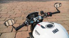 Triumph Speed Triple RS 2019: belli ma poco pratici gli specchietti al manubrio