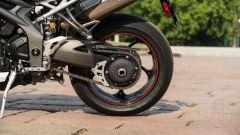 Triumph Speed Triple RS 2019: dettaglio del monobraccio