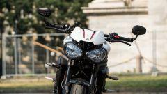 Triumph Speed Triple RS 2019: il fario anteriore con luce DRL