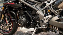 Triumph Speed Triple RS 2019: sotto i carter motore 105 nuovi componenti