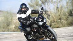 Triumph Speed Triple RS, le strada curvose sono il suo habitat naturale