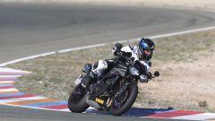 Triumph Speed Triple RS: test su strada e in pista