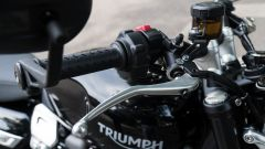 Triumph Speed Twin 1200: la leva del freno anteriore è regolabile