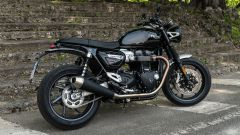 Triumph Speed Twin 1200: vista 3/4 posteriore