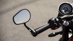 Triumph Speed Twin 2019: dettaglio dello specchietto