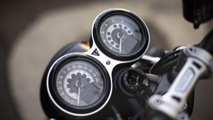 Triumph Speed Twin: la strumentazione