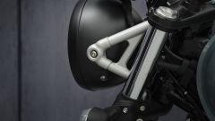 Triumph Street Scrambler: il nuovo supporto del faro anteriore