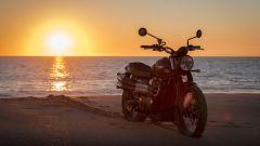 Triumph Street Scrambler, tramonto
