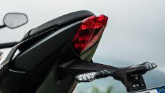 Triumph Street Triple R 2020: luci a LED anche al posteriore