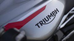 Triumph Street Triple RS 2020: dettaglio del fianchetto