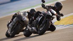 Triumph Street Triple RS 2020: inseguimento con la Moto2