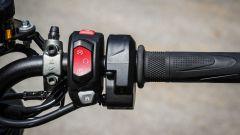 Triumph Street Triple RS: dettaglio del blocchetto elettrico destro
