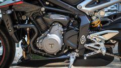 Triumph Street Triple RS: dettaglio del motore, lato sinistro