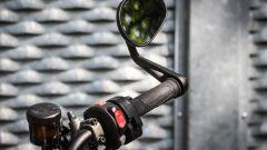 Triumph Street Triple RS: dettaglio del retrovisore
