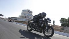 Triumph Street Triple RS: la naked inglese mostra i muscoli