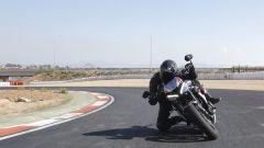 Triumph Street Triple RS: piega in pista